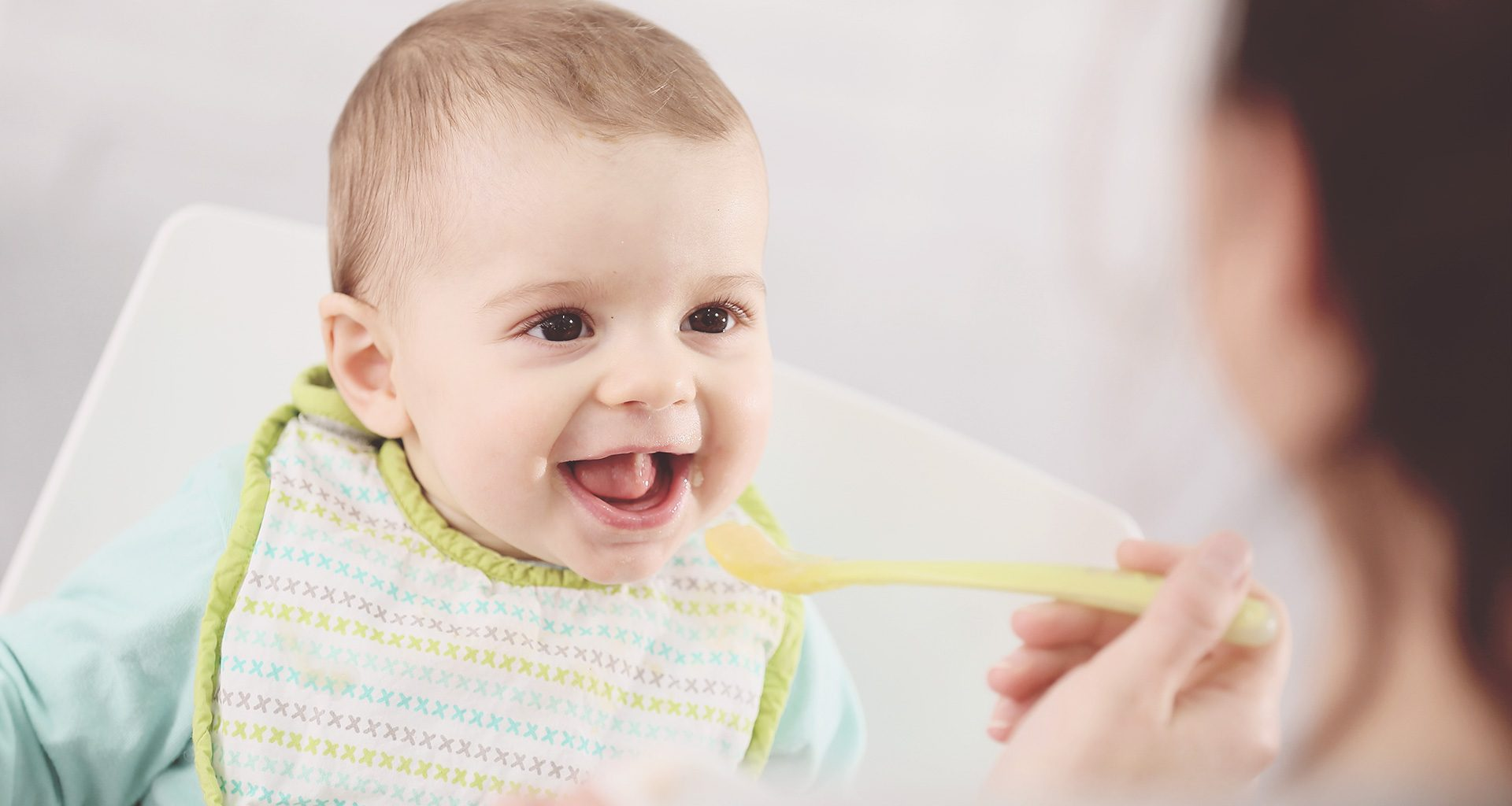 introducing baby to solid foods