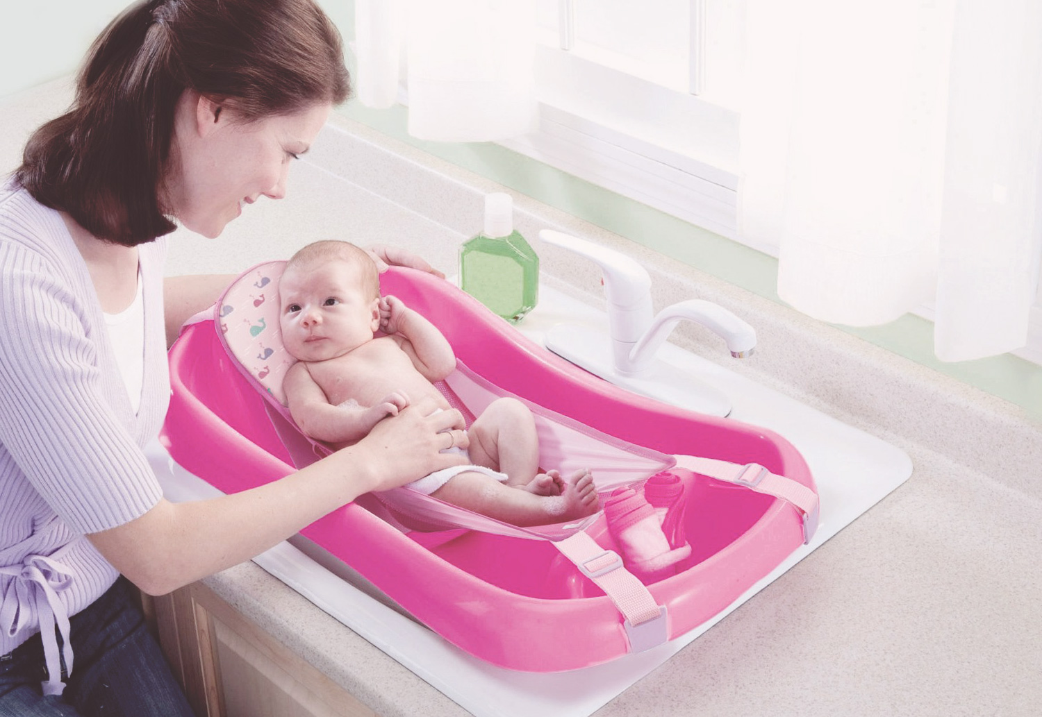 best bathtubs for newborns mom s guide 2016 what s the best baby bathtub. Black Bedroom Furniture Sets. Home Design Ideas