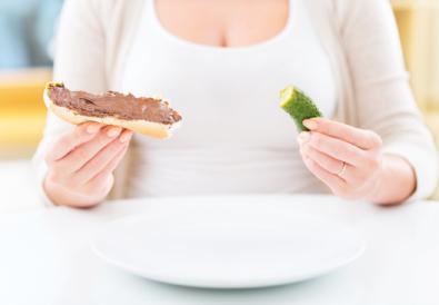 when do pregnancy cravings start?